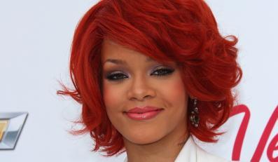 Wszyscy doskonale pamiętamy zdjęcia bestialsko pobitej Rihanny. To jej chłopak, mało znany wokalista Chris Brown podniósł na nią swoje pięści