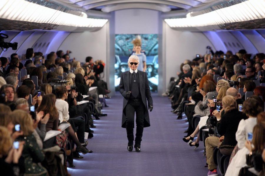 Karl Lagerfeld na Paris Fashion Week.
