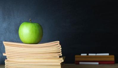 Jabłko i książki