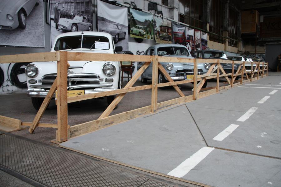 Wystawa starych samochodów FSO na Żeraniu