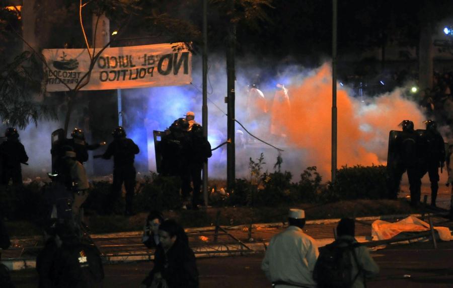 Zamieszki w stolicy Paragwaju po usunięciu z urzędu prezydenta Fernando Lugo