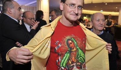 Wojciech Cejrowski w koszulce z Madonną
