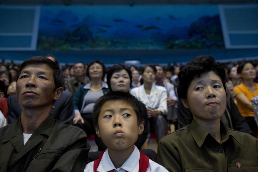 Koreańczycy w delfinarium