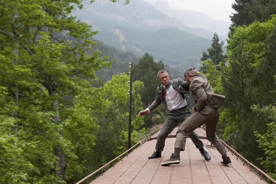 """Daniel Craig i Ola Rapace w filmie """"Skyfall"""""""