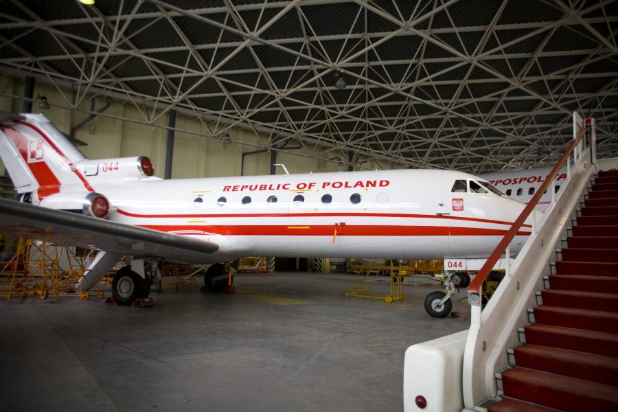 Samolot Jak-40