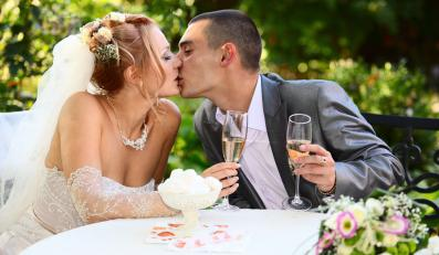 Co zapewnia trwałość związku? Małżeństwo