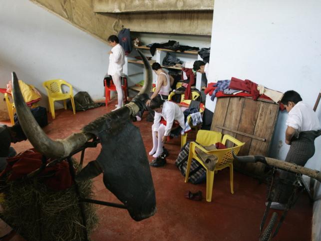 Hiszpański matodor Jeronimo Pimental założył w górach Kolumbii szkołę dla torreadorów
