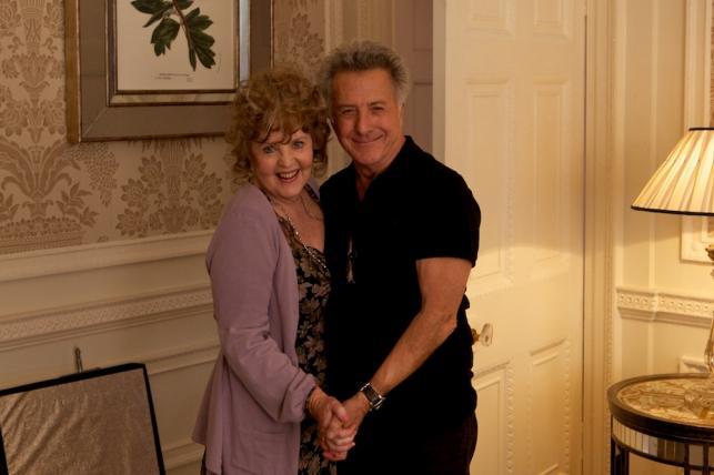 "Pauline Collins i Dustin Hoffman w filmie ""Kwartet"""