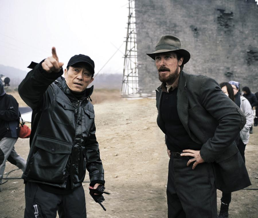 Zhang Yimou i Christian Bale na planie \