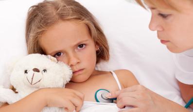 Rodzice przy chorym dziecku w szpitalu to problem?