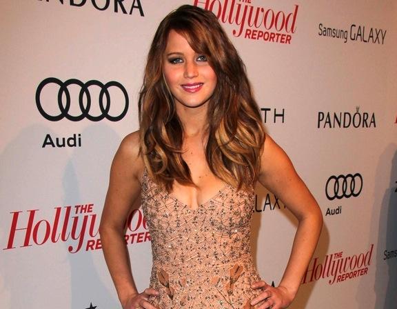 Jennifer Lawrence niczym chihuahua na czerwonym dywanie