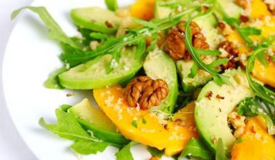 Sałatka z awocado i mango