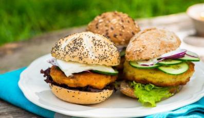 Grillowany rybny burger cytrynowy