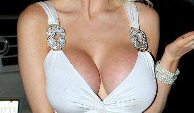 Gigantyczny biust Courtney Stodden