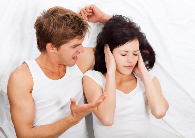 """Łóżkowe """"grzechy"""", których mężczyźni nie wybaczają kobietom?"""