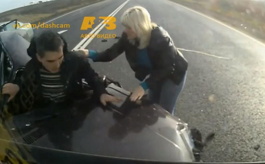 Kadr z filmu z rosyjskiej drogi