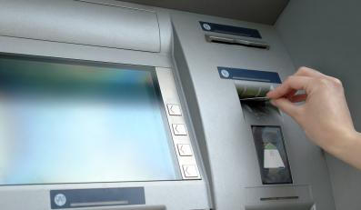 Z bankomatu skradziono znaczną kwotę pieniędzy