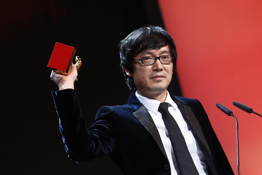Diao Yinan odbiera Złotego Niedźwiedzia w Berlinie za film \