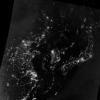 Korea Północna widziana nocą z kosmosu (środkowa część zdjęcia). Czarna plama wyróżnia się na tle innych, lepiej oświetlonych państw
