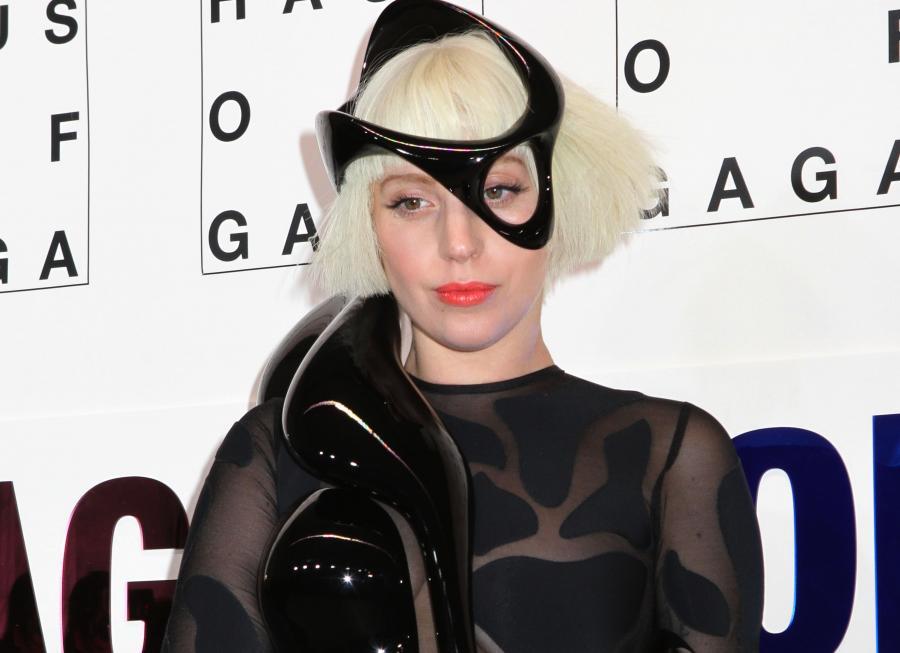 Lady GaGa potulna przy chłopaku