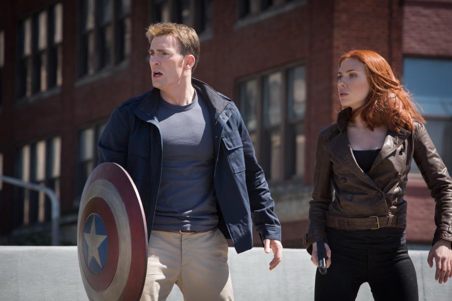 Kapitan Ameryka może śmiało konkurować z młodszymi kolegami po fachu