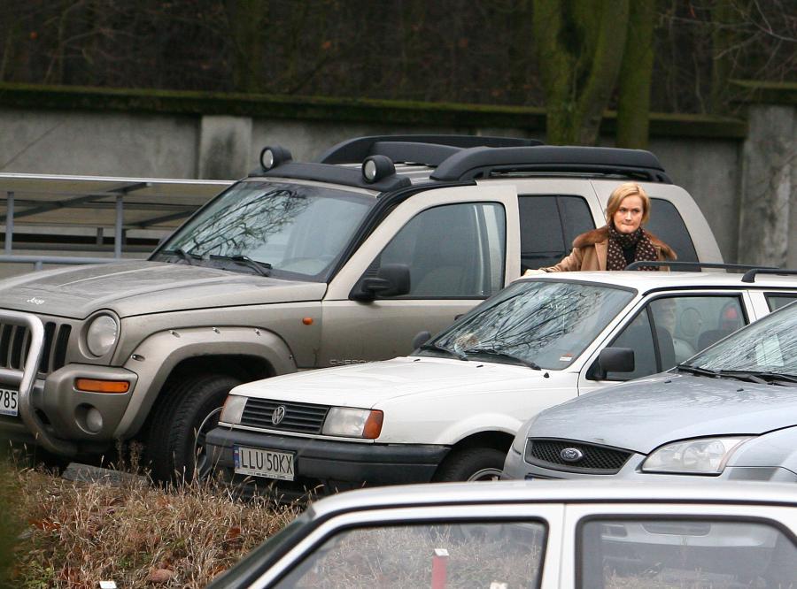 Roman Giertych oddał żonie swój nowy samochód