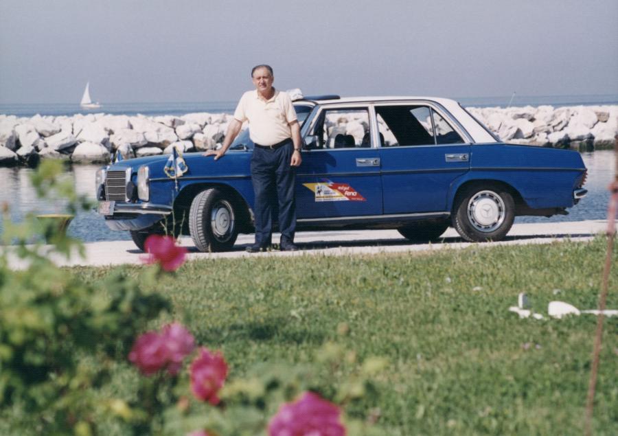 Grecki taksówkarz Gregorios Sachinidis przejechał mercedesem 240 D 4,6 mln km