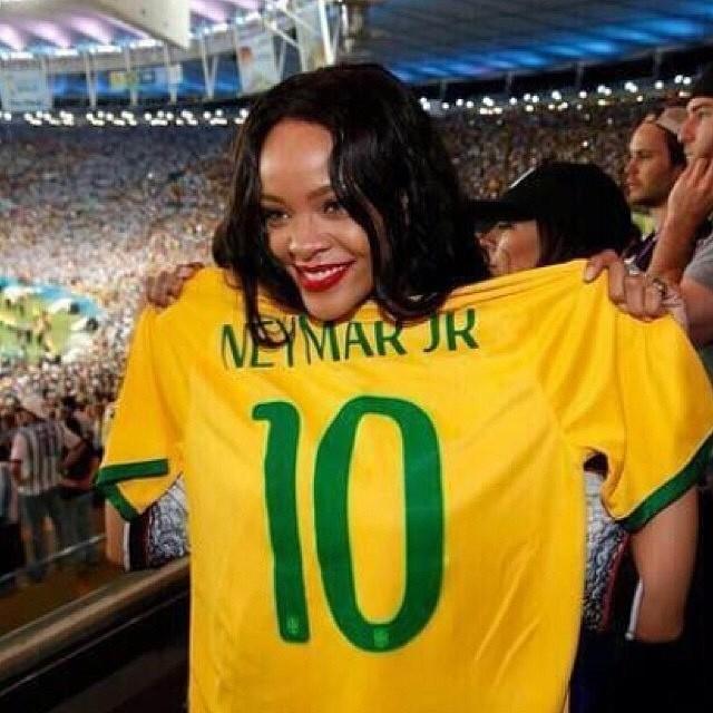 Rihanna chce kupić klub piłkarski