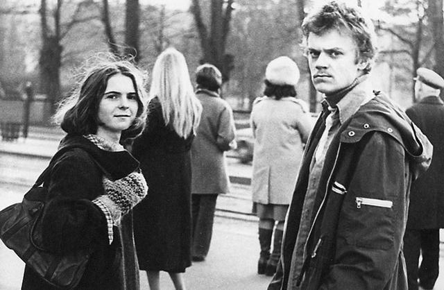 W 1980 Tusk ukończył studia na Uniwersytecie Gdańskim. Tam też poznał swoją przyszłą żonę - Małgorzatę, z którą wzięli ślub cywilny po trzech miesiącach znajomości.