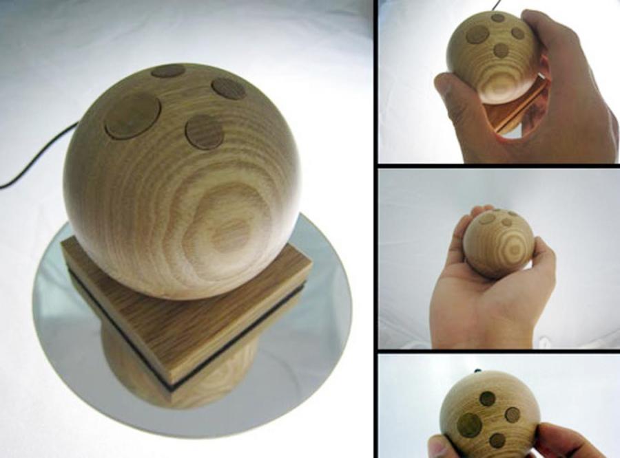 Drewniana mysz dla bogatych ekologów.