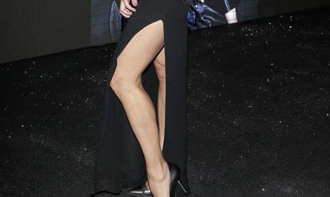 Wiedziała, co pokazać! Udo 46-letniej Anny Popek lepsze, niż noga Angeliny
