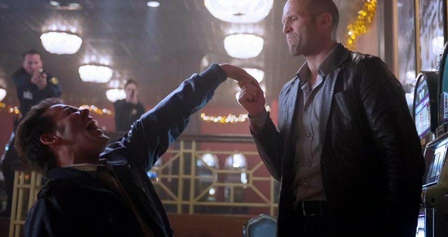 Jason Statham kocha, gra w kasynie i mści się