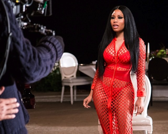 Nicki Minaj przedstawia \