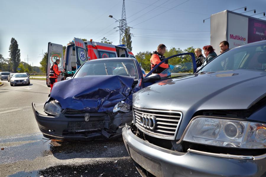Samochody po zderzeniu