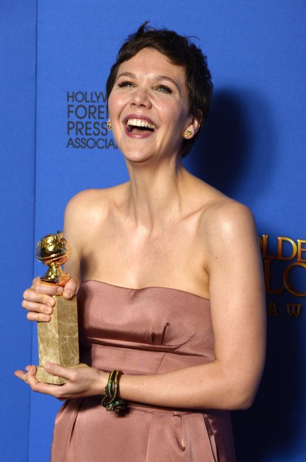 """Najlepsza aktorka w miniserialu lub filmie telewizyjnym:<br>Maggie Gyllenhaal – """"The Honorable Woman"""""""