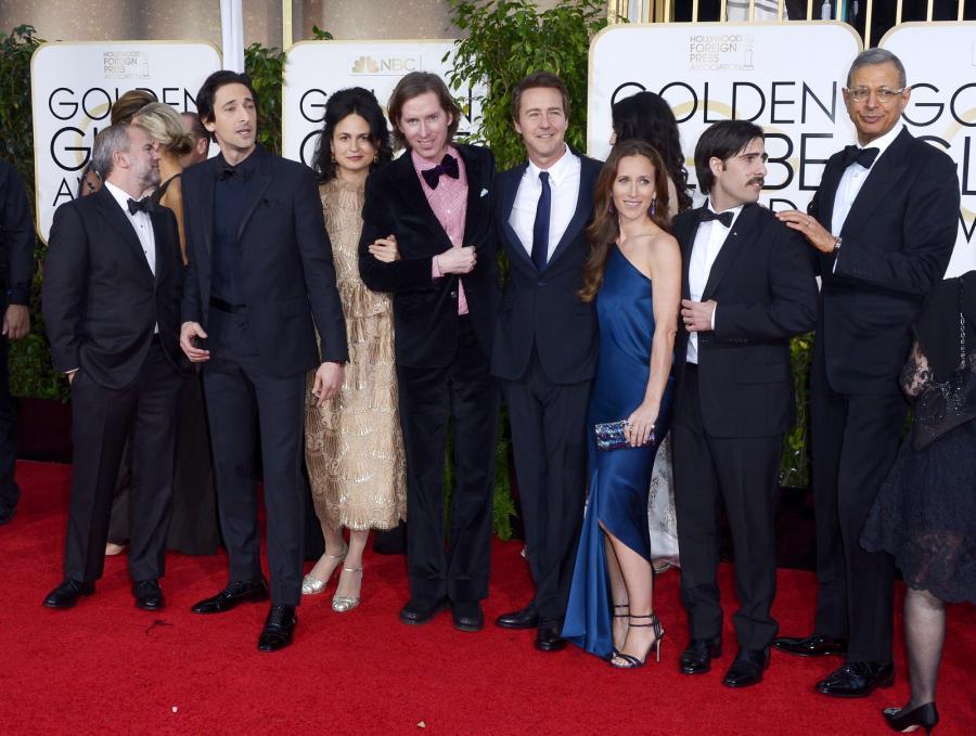 """Najlepsza komedia lub musical:<br>""""The Grand Budapest Hotel"""" (na zdjęciu reżyser Wes Anderson i gwiazdy filmu: Adrien Brody, Edward Norton, Jason Schwartzman oraz Jeff Goldblum)"""