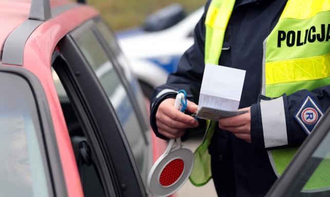 Cuda i dziwy! Oto najbardziej absurdalne i zapomniane przepisy obowiązujące kierowców w Polsce