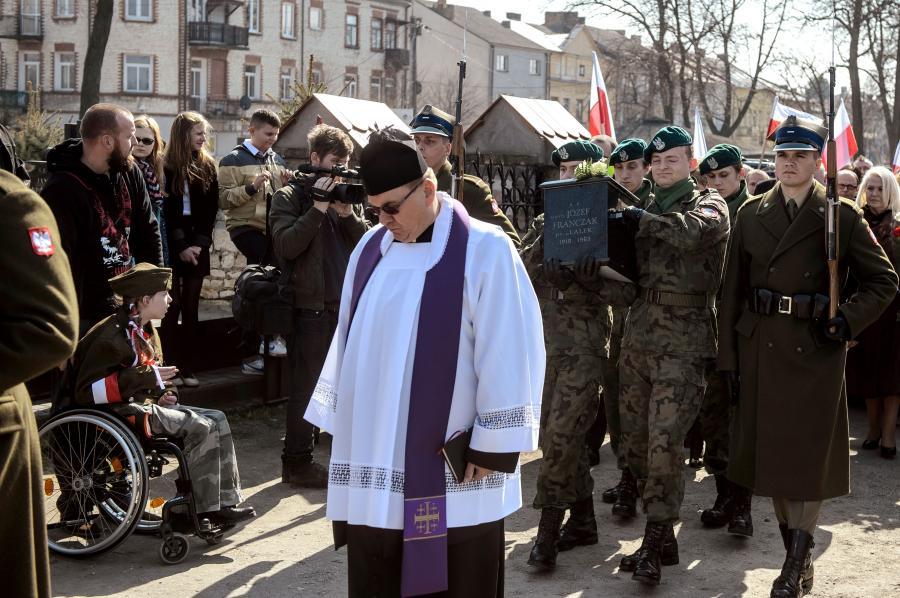 """Pogrzeb sierżanta Józefa """"Lalka"""" Franczaka"""
