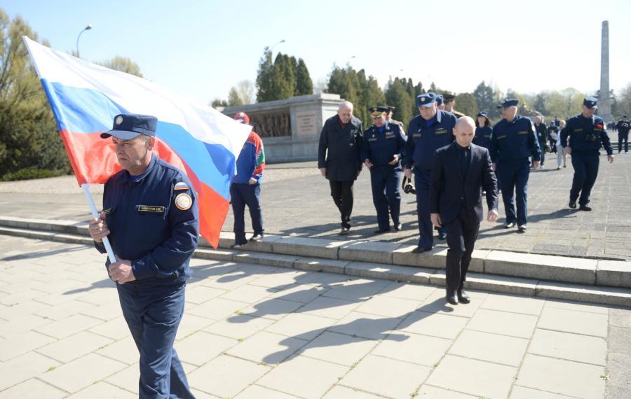 """Uczestnicy rosyjskiego rajdu samochodowego """"Drogami Chwały"""""""