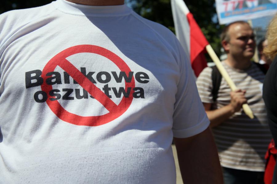 Manifestacja zorganizowana przez stowarzyszenia Pro Futuris przed Sejmem