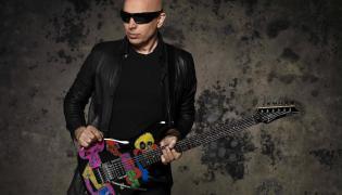 Pomóż Joe Satrianiemu wybrać utwory na koncert