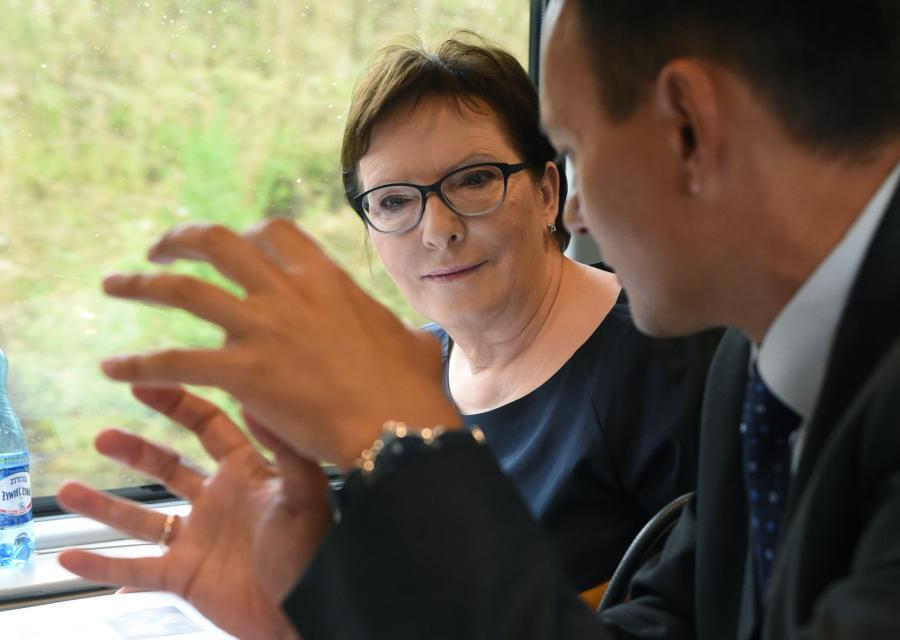 Premier Ewa Kopacz i szef Kancelarii Premiera Jacek Cichocki