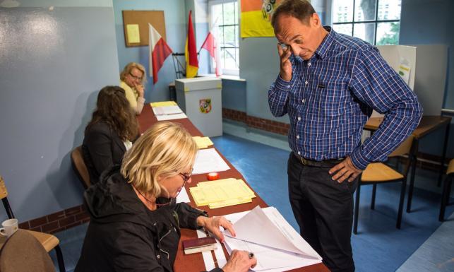 Politycy głosowali w referendum: Kukiz, Kopacz, Dudowie... ZDJĘCIA