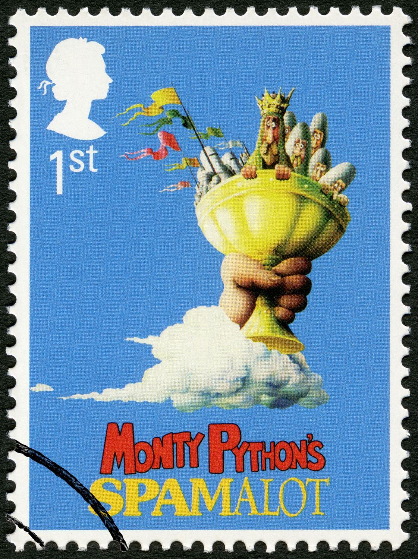 """Brytyjski znaczek pocztowy upamiętniający film """"Monty Python i Święty Graal"""""""