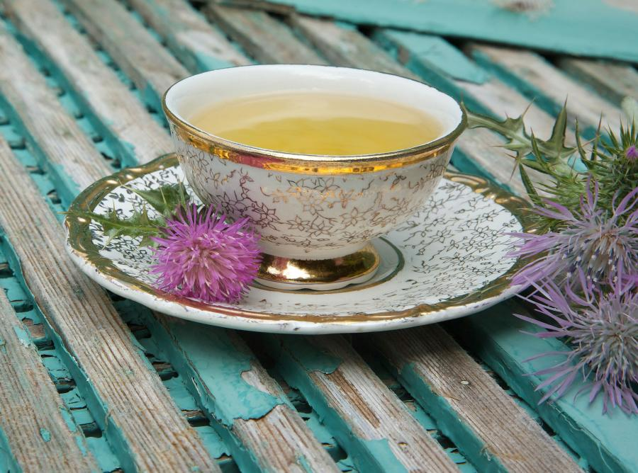 7. Zaparzacz do herbaty i zestaw herbat