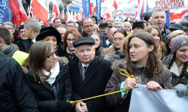 Marsz PiS w Warszawie. Kaczyński: Ten Trybunał trzeba zmienić, łamie procedury. ZDJĘCIA