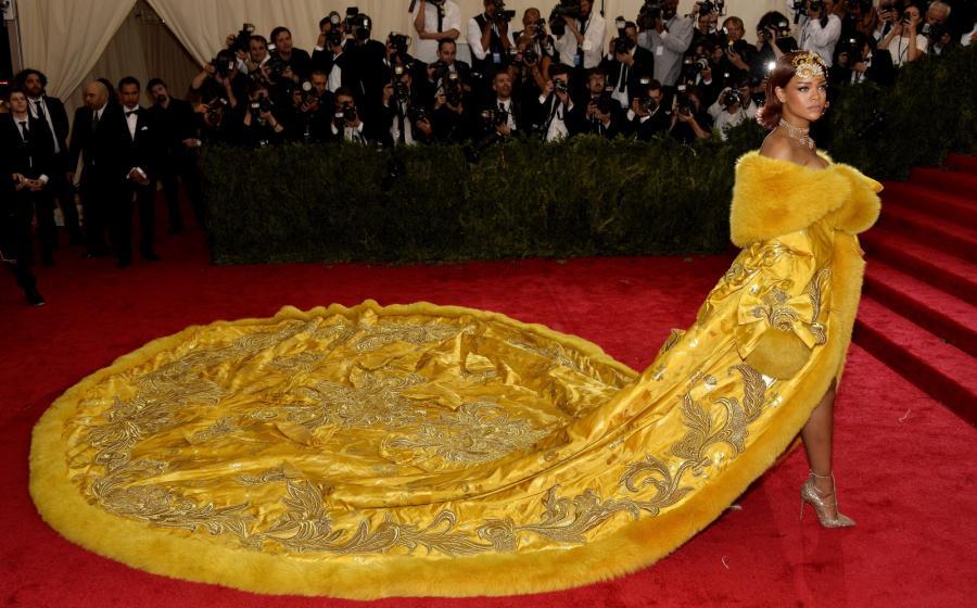 Maj 2015: Rihanna na 2015 Anna Wintour Costume Center Gala w nowojorskim Metropolitan Museum of Art