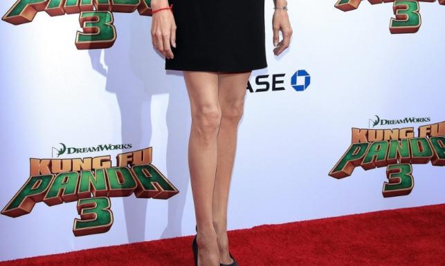 Z dawnych kształtów zostały tylko piersi: koszmarnie chuda Angelina Jolie. FOTO