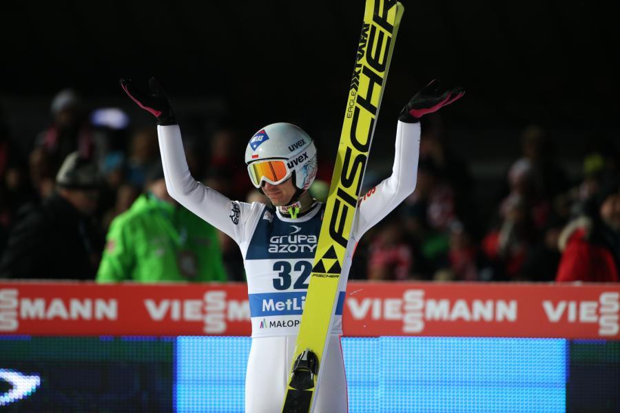 Kamil Stoch po skoku w drugiej serii indywidualnego konkursu Pucharu Świata w skokach narciarskich na Wielkiej Krokwi w Zakopanem