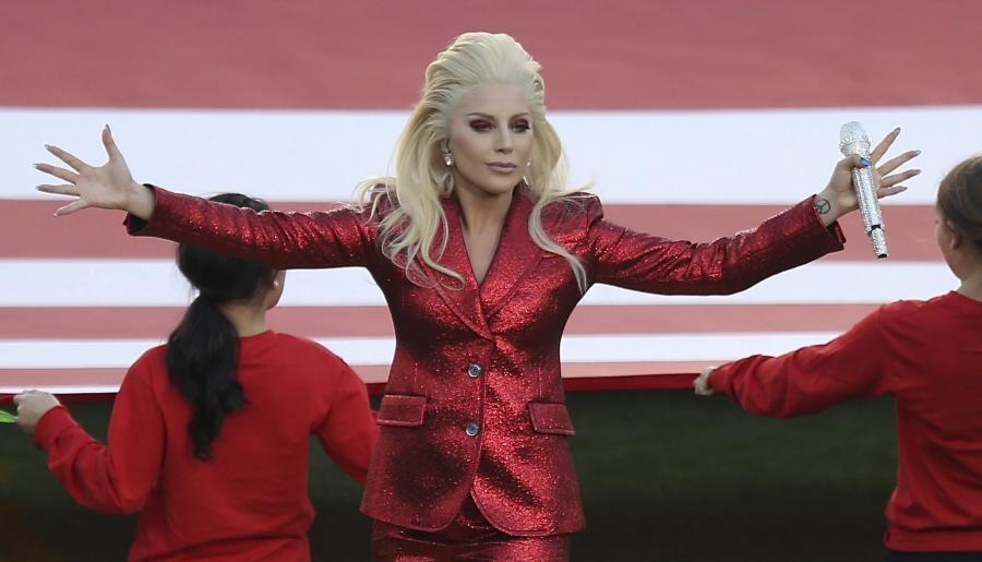 Lady Gaga – zdaniem komentatorów – wygrała Super Bowl